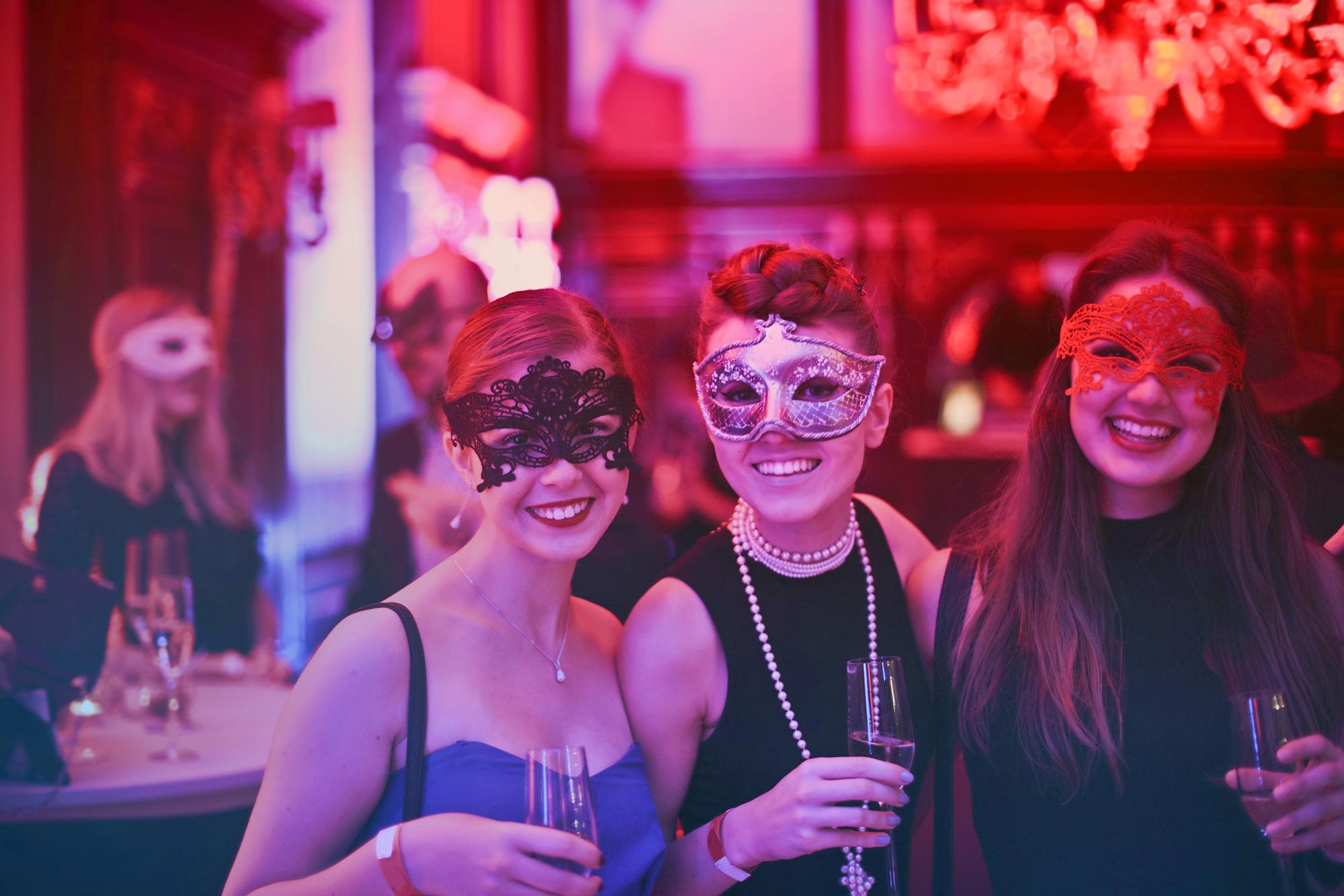 Plan your next party with Dancin' Divas - Bathurst Pole Studio